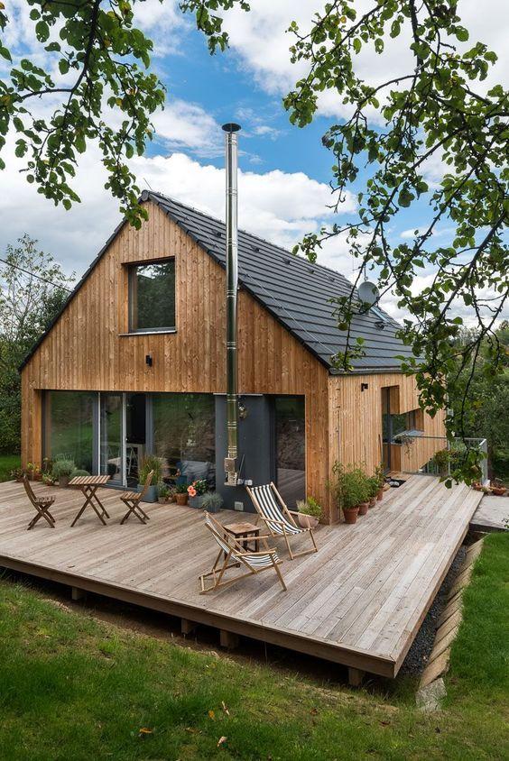 20 Desain Rumah Kayu Sederhana dan Klasik Sejasa